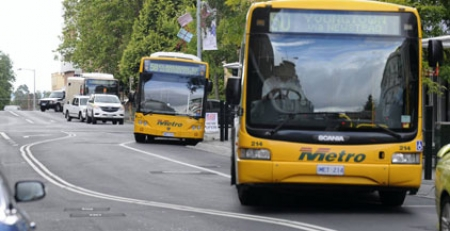 Labor candidate puts forward student bus plan to ease gridlock on Tasmania's roads